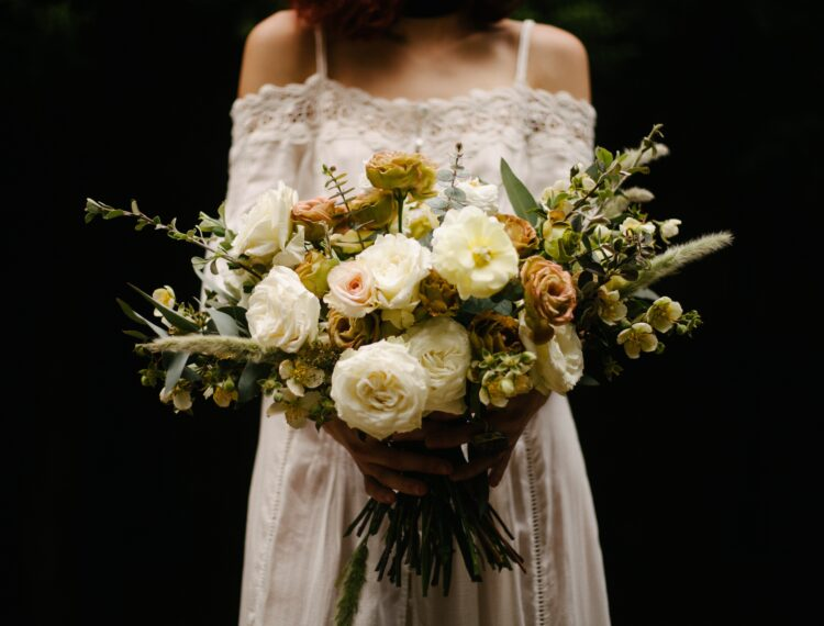 modern trendy boho wedding bouquet