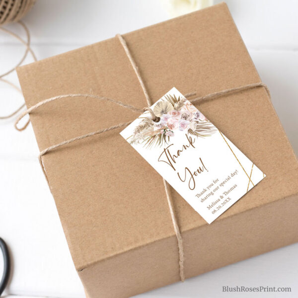 rustic-bohemian-dried-palm-pampas-grass-dried-flowers-favor-tag